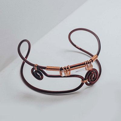 Bracelet to counteract shyness